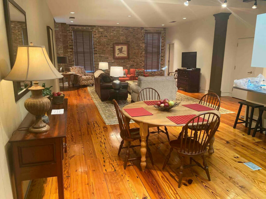 Airbnb Loft Apartment in downtown Greenwood MS