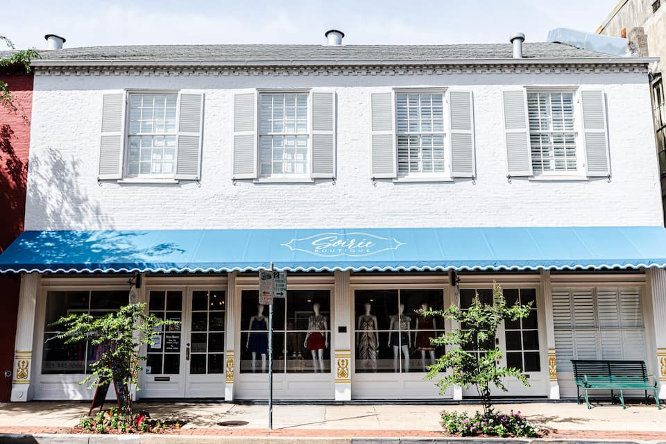 The main street loft is a condominium above a boutique in the downtown area of Natchez Mississippi