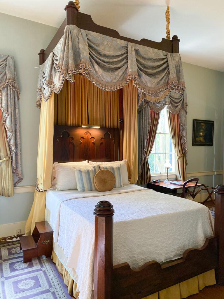 Room at Oak Hill B & B