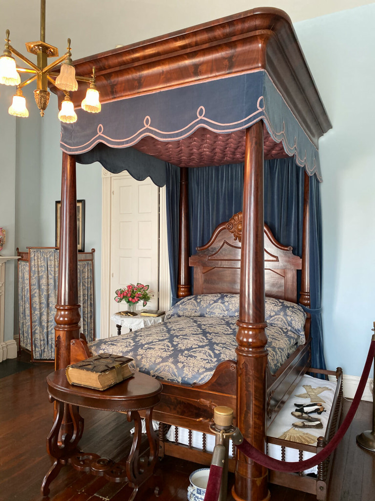 Bed in the rosalie mansion