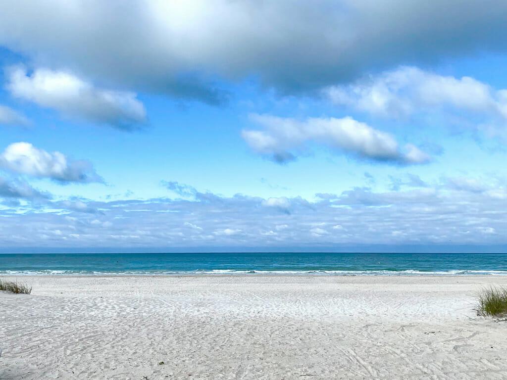 gorgeous beaches on anna maria island.