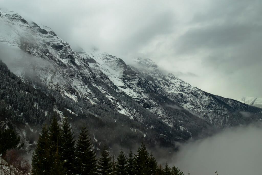 snowy, grey, swiss alps. Book review of The Sanatorium