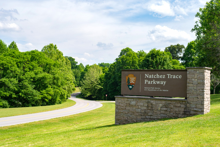 30 Great Stops on the Natchez Trace Parkway