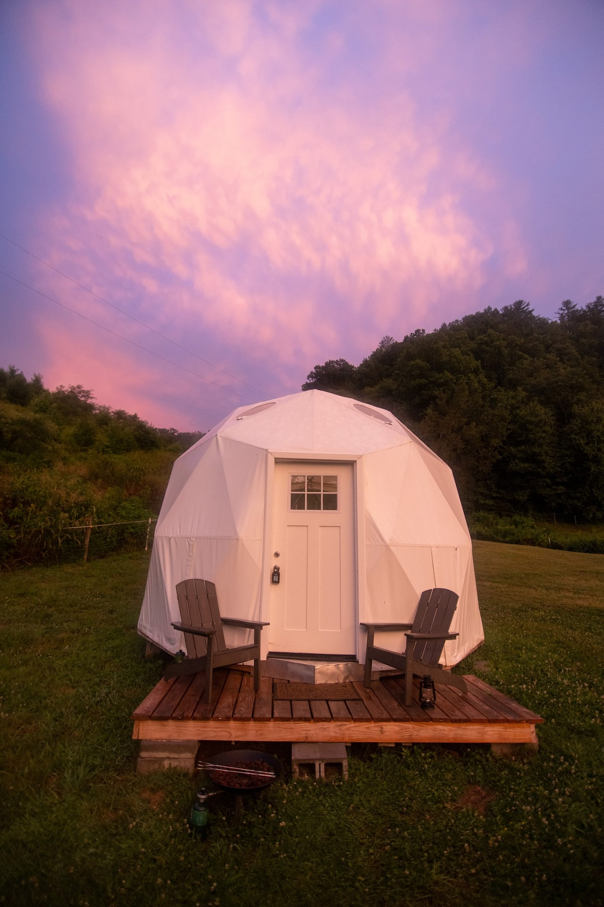 Glamping in Tennessee in a dome on a farm