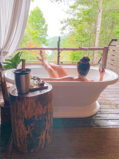Soaking tubs in Bryson City, NC This is a great thing to do in Bryson City if you are there for a visit.