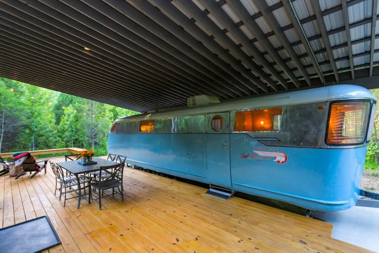 This vintage trailer is a lovely place to glamp in Tennessee