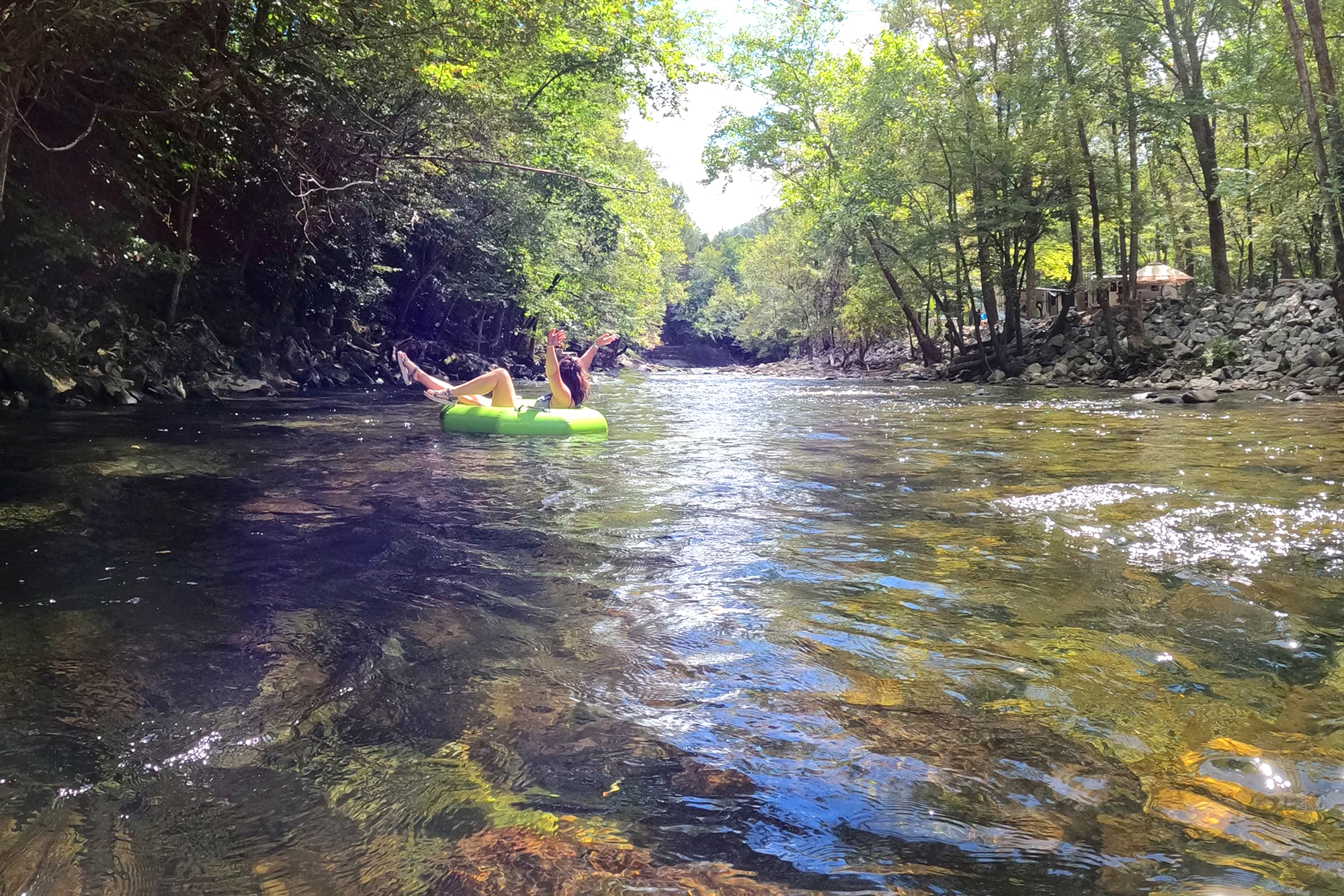 Tubing on the Little River is one of the best things to do in townsend tn
