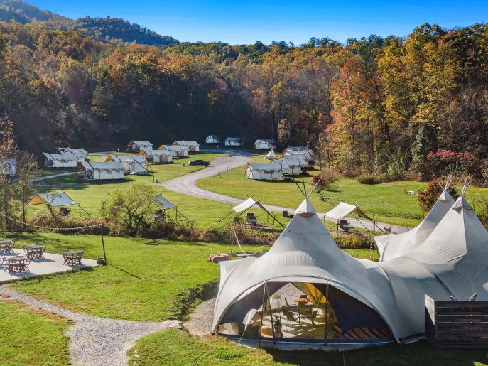 Undercanvas glamping in tennessee