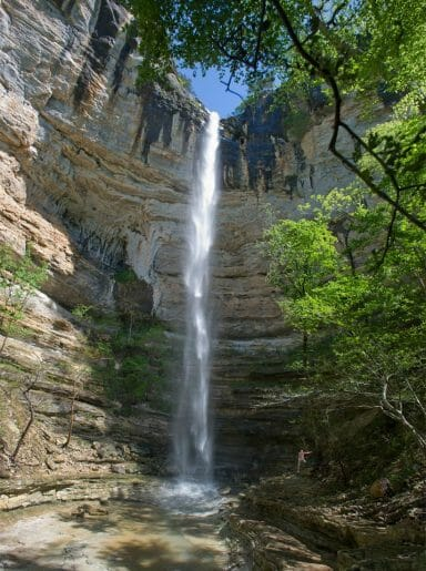 hemmed in hollow in the Buffalo River area of Arkansas is one of the hardest hiking trails in arkansas.